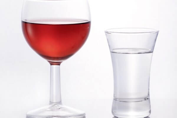 Wine Before Liquor: Does It Make A Difference?